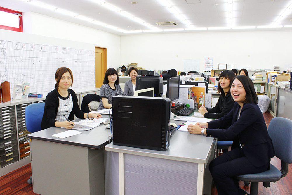 女性管理職の比率、30%!