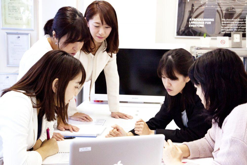 女性ならではのきめ細かい対応が、顧客満足度をあげ、企業発展の足がかりに